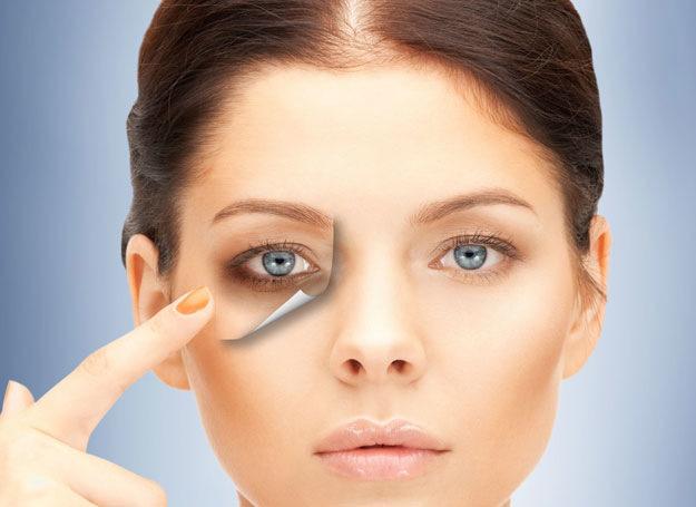 How to camouflage dark circles under eyes?