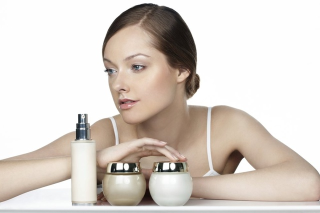 Hypo-allergenic cosmetics and sensitive skin type