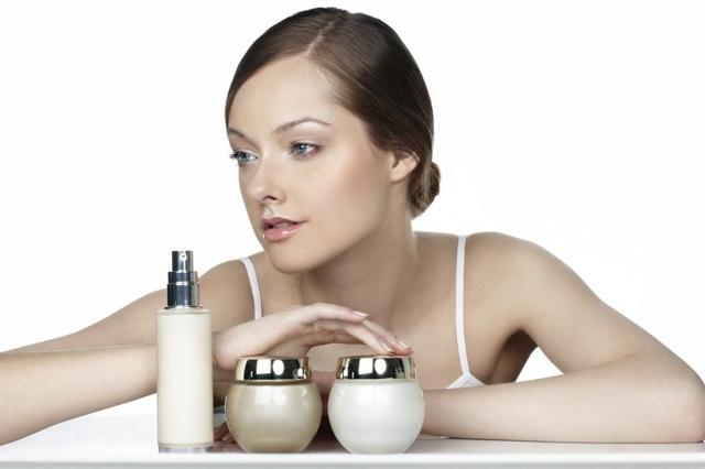 Hypo-allergenic cosmetics and sensitive skin type