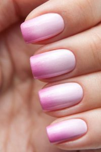 Ombre fingernails