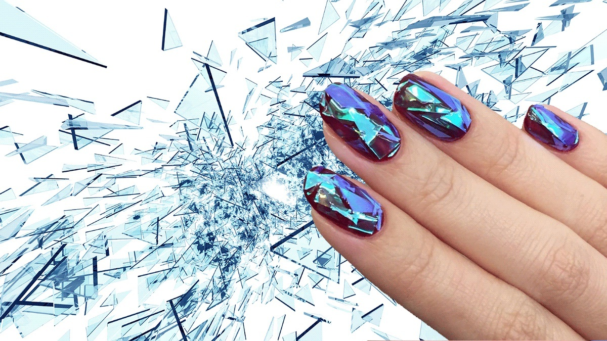 Shattered glass manicure – the newest trend in nail adornment